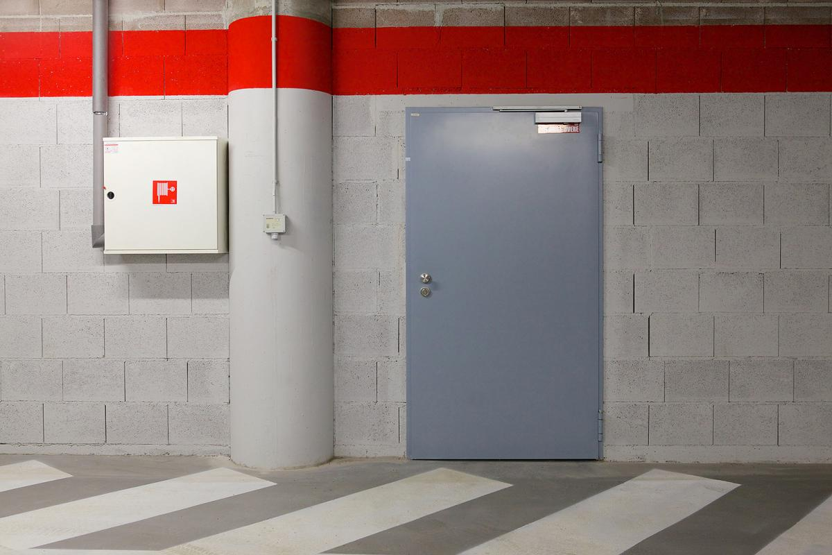 Технические-двери