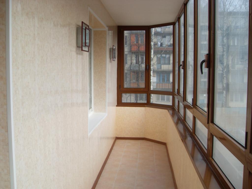 osteklenie-i-otdelka-balkonov