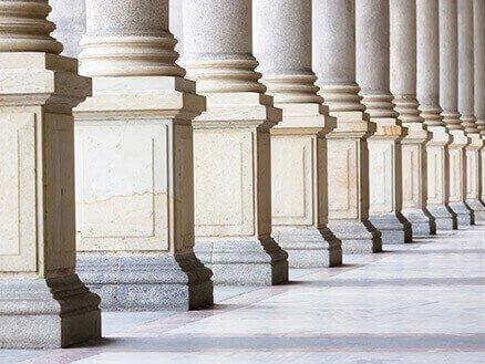 колонны натурального камня