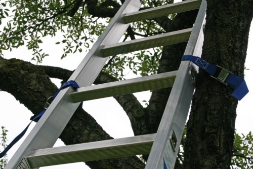 техника безопасности при работе с приставной лестницей
