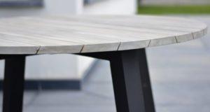 Уличные обеденные столы из тика