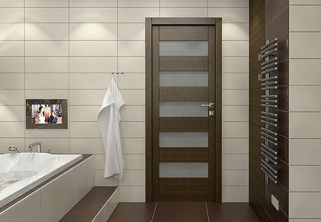 дверь в ванную и туалет